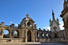 Château de Chantilly - Musée Condé - La Cour d'Honneur - La Chapelle, via Flickr.