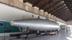 El Museo Naval de Cartagena acoge una colección enorme de la historia naval de la ciudad.  Pero sin duda su visita más importante es al Submarino Peral, que ha quedado emplazado en el edificio.   El submarino peral es el primer submarino eléctrico convencional de la historia (tal como hoy en dia lo conocemos) y el cual fue construido por Issac Peral. Uno de los grandes olvidados por la patria, y sin duda uno de los mejores ingenieros navales de la historia. Cartagena honra a su hijo…
