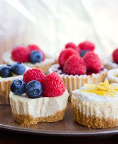 Single Serving Cheesecake Cups Healthy Cheesecake Recipes, Pumpkin Cheesecake Bars, How To Make Cheesecake, Homemade Cheesecake, Cheesecake Cupcakes, Dessert Recipes, Vegan Cheesecake, Yummy Recipes, Individual Cheesecakes