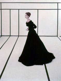 Cecil Beaton: Fashion Shot, 1950s.