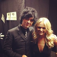 Billie Joe Armstrong and Miranda Lambert pay tribute to Phil Everly at the Grammy's