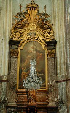 Altar and chandelier - Église Saint-Jacques, Compiègne