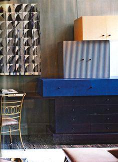 Stacked box elements / Superstudio corner. Xk #kellywearstler #interior #design