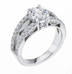 Great side detail on this diamond engagement ring from Lieberfarb