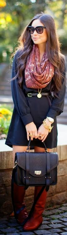 Gorgeous fashion style with black sleeve dress