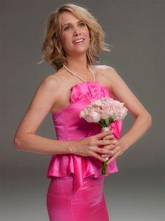 kristen wiig. Awkward bridesmaid photo.