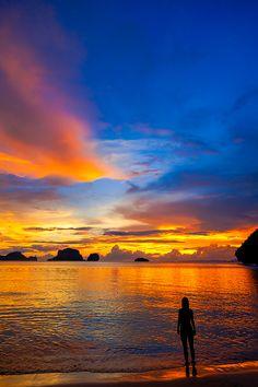 "500px / Photo ""Sunset alone"" by ausadavut sarum"