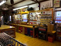Top Small Garage Shop Building Ideas For shop work shop ideas – workant Garage Workshop Plans, Workshop Layout, Home Workshop, Woodworking Workshop, Woodworking Shop, Workshop Design, Workshop Ideas, Woodworking Bench, Garage Tools