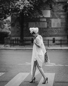 Felicia Sisco (@feliciasisco) • Photos et vidéos Instagram White Picture, Stay At Home, Felicia, Workshop, Statue, Black And White, Pictures, Photos, Inspiration