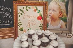 And those minicupcakes?!  Ahhhmazing! Source: Rochelle Wilhelms Photography via Pretty My Party