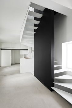These days, a concrete staircase is really famous for a modern house. The design of staircase with its concrete material is simple and easy to make. It is another option for you who want to design you Architecture Design, Contemporary Architecture, Stairs Architecture, Contemporary Furniture, Interior Staircase, Staircase Design, Staircase Ideas, Casa Patio, Stair Handrail