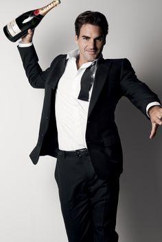 Roger Federer #HandsomeStranger #TennisPlanet www.tennisplanet.com