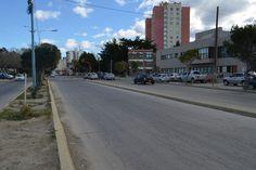 Este miércoles comienza la obra de repavimentación de la Avenida Yrigoyen http://www.ambitosur.com.ar/este-miercoles-comienza-la-obra-de-repavimentacion-de-la-avenida-yrigoyen/ A partir de este miércoles se iniciará la obra de repavimentación de la Avenida Hipólito Yrigoyen, en el tramo comprendido desde calle Moreno hasta 25 de Mayo, circulando de norte a sur, según informó la Dirección General de Tránsito y Educación Vial de la Municipalidad.    Debido a que la c