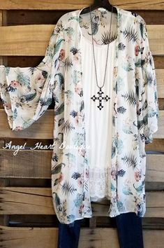 Sweet Romance Kimono - Off White [product type] - Angel Heart Boutique Boho Outfits, Stylish Outfits, Cute Outfits, Fashion Outfits, Summer Outfits, Festival Looks, Plus Size Lace Dress, Plus Size Cardigans, Clothing Size Chart