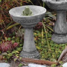 Miniature Frog Birdbath from #miniature-gardening