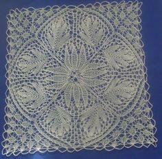 Hilos de Aralena: Tapete cuadrado Irish Crochet, Knit Crochet, Lace Doilies, Doily Patterns, Yarn Needle, Lace Design, Lace Knitting, Crochet Projects, Decoration