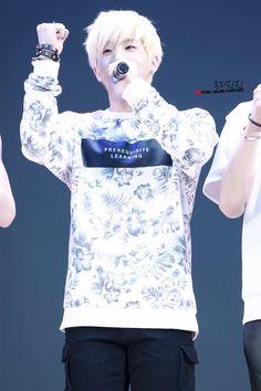 [24.10.2015] Apresentação no Lotte World - JinJin