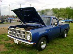 1972 Dodge D100 by splattergraphics, via Flickr