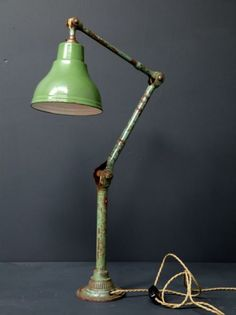 Industrial machinists work light -- I would LOVE to build it!
