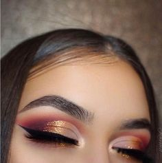 Warm Half Glitter Cut Crease by the talented Krimd_