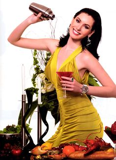 HI magazine - Singapore, September 2006. Miss Universe 2005, Natalie Glebova wears CITY watch by deLaCour.