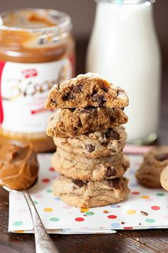 This Biscoff cookie recipe takes the standard chocolate chip cookie recipe to a whole new level...