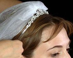 how to put on a wedding tiara