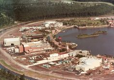 Let's look at these EPCOT Center construction photos. We see that the rest of the show building was never built. (Additional World Showcase construction photos here. Disney Day, Old Disney, Disney Magic, Disney Stuff, Vintage Disneyland, Tokyo Disneyland, Disney World Parks, Disney World Resorts, Walt Disney Imagineering