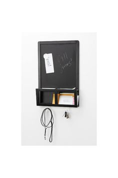 Для хранения ключей, мобильных телефонов и корреспонденции. Вы можете писать на доске мелом и использовать магнитыДоставка по всей Украине.