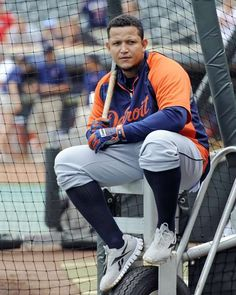 Detroit Tiger, Miguel Cabrera. looken awesome is this photo! :)