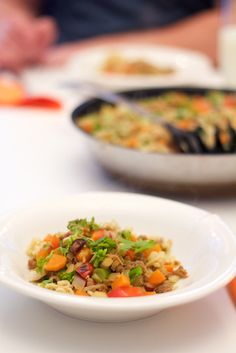 Colorful, healthy and delicious pulled oat wok. Taivaallisen herkullista ja ihanan värikästä wokkia nyhtökaurasta.