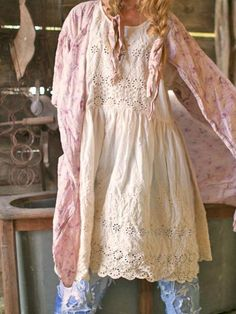 ideas shabby chic style clothing magnolia pearl for 2019 Hippie Stil, Mode Hippie, Mode Boho, Boho Outfits, Pretty Outfits, Beautiful Outfits, Vintage Outfits, Fashion Outfits, Beautiful Clothes