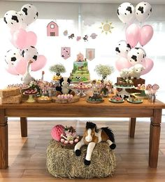 Splendid this party with theme Farm! 2nd Birthday Party For Girl, Horse Birthday Parties, Farm Animal Birthday, Girl Birthday Themes, Farm Birthday, Petting Zoo Birthday Party, Cowgirl Birthday, Girl Themes, Birthday Ideas