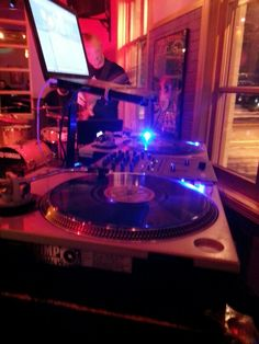 Turntables. Technics.