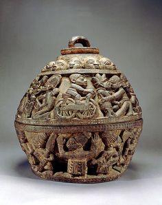 Yoruba Opon Igede Ifa (Divination Container), Nigeria