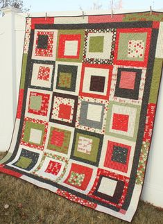 The Quilts of Christmas Past - Diary of a Quilter - a quilt blog - Love this pattern!