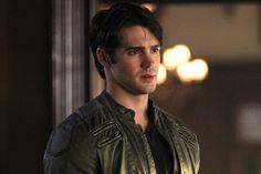 'Vampire Diaries': Steven R. McQueen teases series finale return
