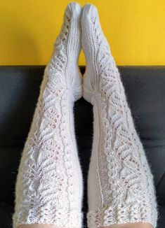 Ilmainen naisten pitkävartisten villasukkien ohje - Taito Itä-Suomi Lace Knitting, Knitting Socks, Knit Crochet, Knitting Patterns, Yarn Inspiration, Wool Socks, Leg Warmers, Knitwear, Sewing