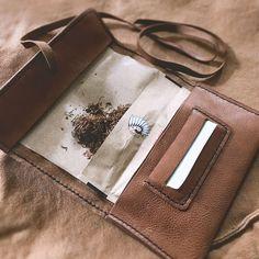 tobacco_pouch