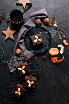 gingerbread cake with chocOlate and almonds