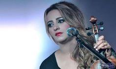 المطربة المغربية زينة الداودية تطلق أغنيتها الجديدة…: عادت الفنانة زينة الداودية إلى لونها الغنائي الأول، فن الراي بأغنية جديدة…