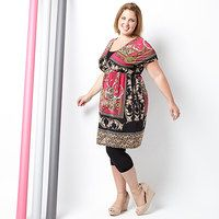 Inspiration!!!! Warm weather and trendy looks go hand-in-hand with this stylish collection of plus-size apparel! From endless maxis to sweet sleeveless dresses, these designs have everything you need to look like the style maven you are. Their bright colors, bold prints and intricate details are sure to make a high-impact entrance whether sported on trips to the beach or lounging by the pool.