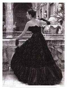 Zwarte avondjurk, Rome 1952 Posters van Genevieve Naylor bij AllPosters.nl