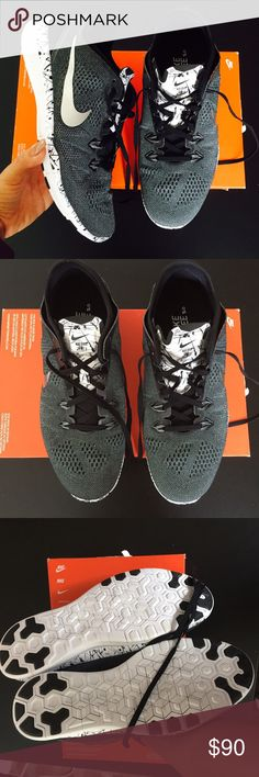 Nike WOMENS free 5.0 running shoes Sz 10 new Nike WOMENS free 5.0 running shoes Sz 10 new box is missing the lid item#2055 please no low balling ! Offers that are not reasonable will get decline without a counter Nike Shoes