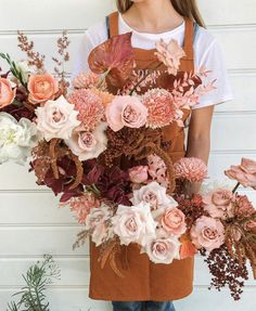 Great news bride and grooms to be, you can stop scrolling now! We've found you the perfect wedding bouquets! Nude, copper, blush and coral-… Blush Wedding Flowers, Flower Bouquet Wedding, Floral Wedding, Wedding Color Pallet, Wedding Colors, Wedding Flower Inspiration, Wedding Ideas, Wedding Dj, Wedding Decor