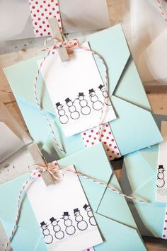 Mondays, Maggie Muses: Aqua, Red and White Christmas Christmas Bows, Christmas Gift Wrapping, White Christmas, Christmas Crafts, Christmas Packages, Pretty Packaging, Gift Packaging, Handmade Crafts, Diy Gifts