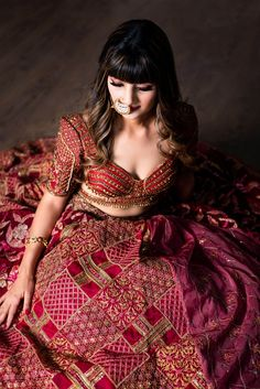 Indian Gowns Dresses, Indian Fashion Dresses, Dress Indian Style, Indian Designer Outfits, Bridal Lehenga Collection, Indian Bridal Outfits, Stylish Sarees, Crop Top Outfits, Lehenga Designs