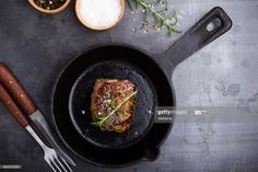 Stock Photo : Fillet mignon Healthy Foods To Eat, Healthy Dinner Recipes, Best Cast Iron Skillet, Pan Seared Steak, Seasoning Cast Iron, How To Cook Steak, Dinners For Kids, Iron Pan, No Carb Diets