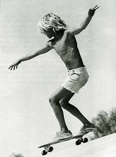 Jay Adams Jboy Zephyr Boys zboys skate skater old school vintage Retro LA california Venice Beach dogtown Lords Of Dogtown vans blonde vertical Pale Cute Boys, Cool Kids, Lords Of Dogtown, Jay Adams, Old School Skateboards, Skater Boys, Skate Style, Skate Surf, Longboarding