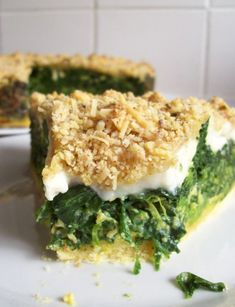Crispy pie with spinach goat cheese and walnuts (or hazelnut) Lunch Recipes, Summer Recipes, Baby Food Recipes, Diet Recipes, Healthy Recipes, Recipies, Food Videos, Love Food, Food Porn